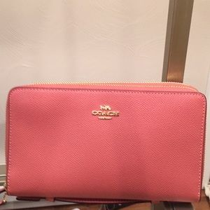Coach wallet with with double zip closure. New!!!